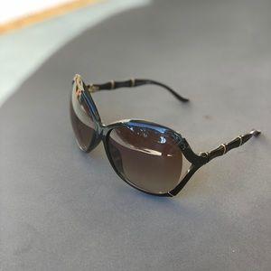 GUCCI bamboo frame Sunglasses